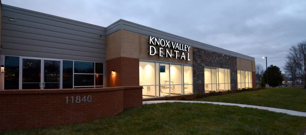 Dentist Knoxville Office Sign Outside